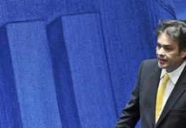 """CÁSSIO X AÉCIO: """"O governo Temer interveio do PSDB e não admitiremos passivamente a compra de convencionais"""""""