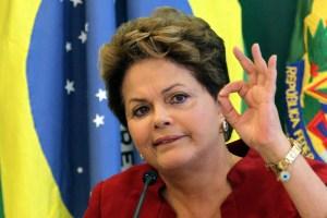 Dilma 300x200 - Dilma dispara na pesquisa Datafolha para o Senado em Minas