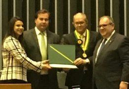 Presidente da Fecomércio recebe homenagem na Câmara dos Deputados