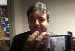 """VEJA VÍDEO: """"Família é família e política e política"""", diz Artur Cunha Lima Filho"""