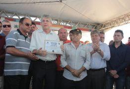 Ricardo entrega barragem recuperada em Ingá e recebe título de cidadão