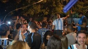 gremio 300x169 - Torcida gremista lota bar de João Pessoa