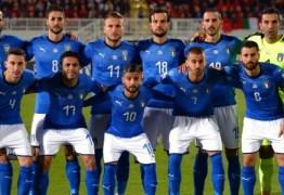 Itália precisa vencer para evitar um vexame mundial