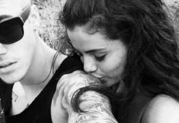 VEJA FOTO: Fã flagra Justin Bieber e Selena Gomez juntos e sorridentes