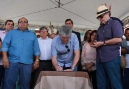 Ricardo Coutinho autoriza obras que vão levar água para moradores de Rio Tinto
