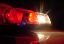 Bandidos invadem casa e matam homem a tiros