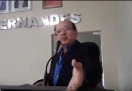 """VEJA VÍDEOS: Secretário chama vereadores de """"meia-boca"""" e causa polêmica na Câmara de Mamanguape"""