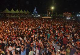 Público lota Praça do Povo para prestigiar festa de Natal em Santa Rita