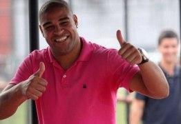 Adriano Imperador volta a jogar no Maracanã após sete anos