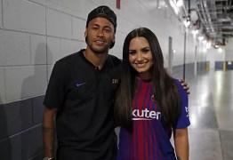 Neymar revela 'crush' em Cleo e desconversa sobre affair com Lovato