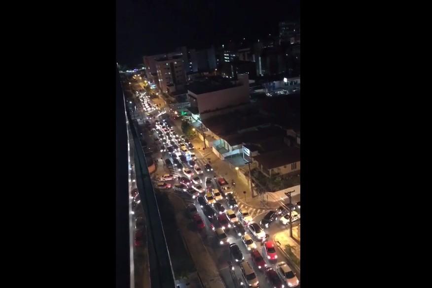 congestionamento - S.O.S. VIADUTO DAS POMBINHAS: É preciso a construção de um viaduto no giradouro do altiplano urgentemente! - Por Rui Galdino