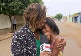 VEJA VÍDEO: Gloria Maria se emociona com pequena repórter que bombou na web