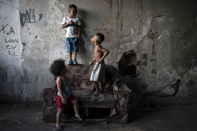 pobreza extrema - Com auxílio emergencial reduzido em 2021, estudo aponta que o Brasil terá 61 milhões na pobreza