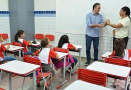Professores de JP recebem R$ 12 milhões de 14º salário