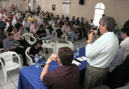 Governo discute viabilidade de voo entre Patos e Recife com empresa Azul