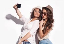 Obsessão por tirar selfies pode ser considerado transtorno mental