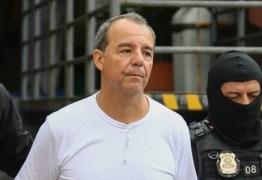 Sérgio Cabral pede desculpa a população por ter usado caixa dois