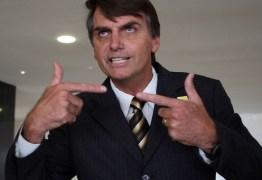 Bolsonaro gastou 4 vezes mais dinheiro público com passagens aéreas durante pré-campanha