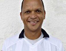 Ex-jogador da Seleção e gerente do Botafogo-PB é esfaqueado em tentativa de assalto