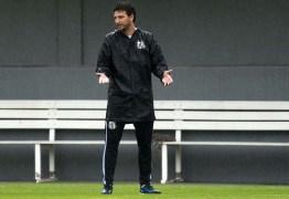 Com saída confirmada, Elano se despede do Santos: 'Foi uma honra'