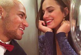 Neymar posta foto 'caliente' de beijo em Bruna Marquezine