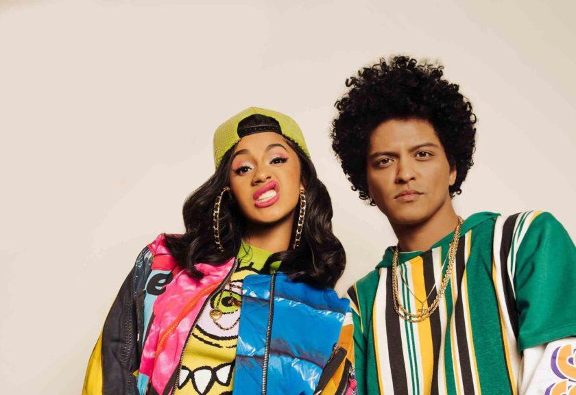 """Bruno Mars CardiB 840x577 - Bruno Mars e Cardi B lançam clipe de """"Finesse"""" inspirado nos anos 1990"""