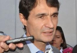 Romero convoca servidores de Campina a explicarem acumulação de cargos