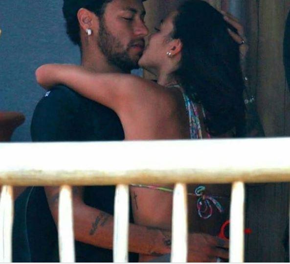 brumar 3 - VEJA FOTOS: Marquezine e Neymar beijam muito e atriz chora ao se despedir do craque