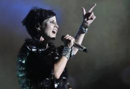 Vocalista da banda inglesa The Cranberries falece aos 46 anos