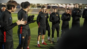 coutinho treino 300x169 - Chegou o dia? Mais caro da história do Barça, Coutinho pode estrear nesta quinta