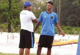 Zagueiro treina com elenco e deve ser anunciado pelo Botafogo-PB