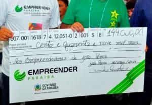 empreender pb foto francisco fran a 3 300x207 - Programa Empreender Paraíba abre inscrições em 19 municípios