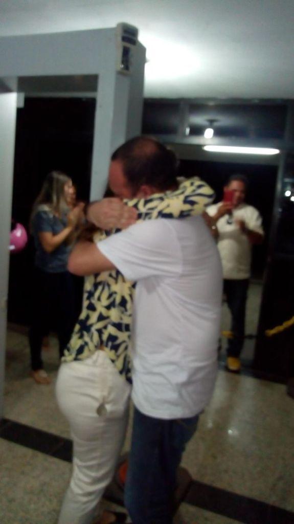 flavio pereira - Após quatro meses preso, vereador Flávio Pereira de Santa Rita reencontra família; Veja foto