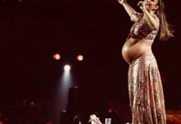 Ivete Sangalo ganha versão 'boneco de Olinda', com direito a barrigão de grávida