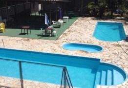 Primas de 3 e 4 anos morrem afogadas em piscina de clube