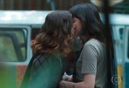 Beijo gay em 'Malhação' viraliza nas redes -VEJA VÍDEO