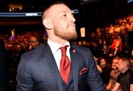 Conor McGregor paga fiança e ficará livre das grades após confusão em evento do UC
