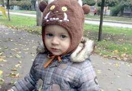 Garoto de 1 ano morre ao ser atingido por homem que se suicidava