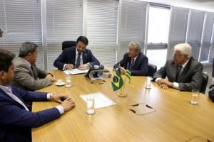 posse secretaria mobilidade 300x200 - Irmão de Efraim Morais, paraibano toma posse na Secretaria Nacional de Mobilidade