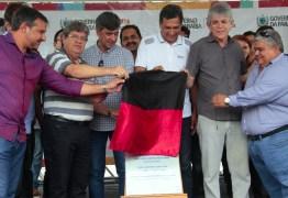 Ricardo Coutinho entrega obras de asfaltamento e beneficia mais de 20 mil cidadãos