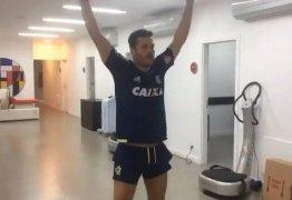 Julio Cesar faz teste físico no Flamengo, e Susana Werner desabafa de novo