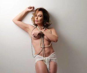 xnubia olliver 28529.jpg.pagespeed.ic .nml0EYpyn3 e1515693079630 300x253 - Núbia Oliver faz topless em ensaio e fala da ausência no carnaval