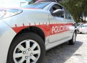 1477323166732 viatura 300x219 - Adolescentes invadem casa, fazem 'a limpa' e fogem em Hilux da família em João Pessoa
