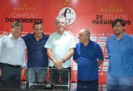 Governador Ricardo Coutinho surpreende ao fazer visita ao Campinense Clube