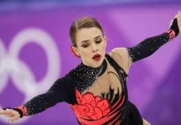 1º finalista brasileira, patinadora cai e fica em último lugar