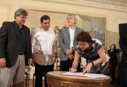 CONDE: Prefeita Márcia lucena assina convênio para construção de nova escola