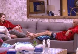 """""""Bora putada"""", diz Ayrton ao ver Ana Clara e Paula se beijando; VEJA VÍDEO"""