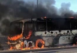 VEJA VÍDEO: Ônibus incendeia na estrada entre Campina e João pessoa