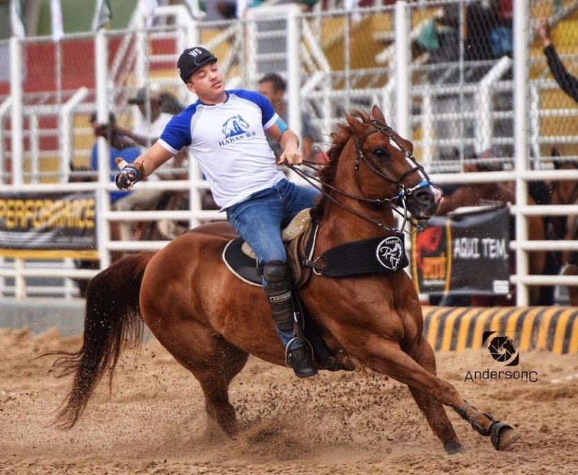 IMG 20180202 WA0014 e1517586653996 - SUCESSO: Wesley Safadão participa de vaquejada com cavalo comprado na Paraíba