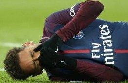 Neymar vai passar por cirurgia e só volta aos campos em maio